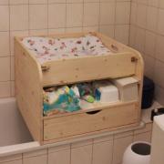 Wickeltisch Badewanne aus Holz mit Schieber