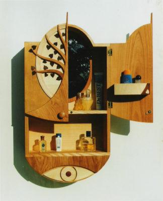 Spiegelschrank aus Holz mit ovalem Spiegel
